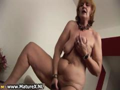 Old naked housewife is sucking..