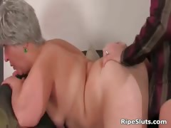 Busty chubby mature slut gets wet..