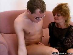 Roasting mature mom loves sucking..