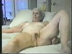 Enjoy this granny fully nude...