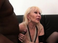 French cougar Irma fucked fro a..