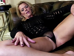 Mature mom with downright body..