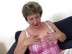Old mature moms swell up and fuck..