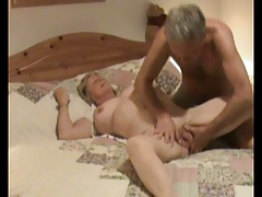 Amateur Couple in hammer away..